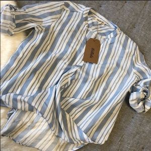 NWT listicle Blue & white surplice top sz.s